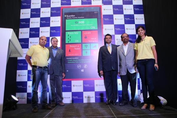 Mr.Raj Biyani, MD, Microsoft IT India (Third from right) with Microsoft ...